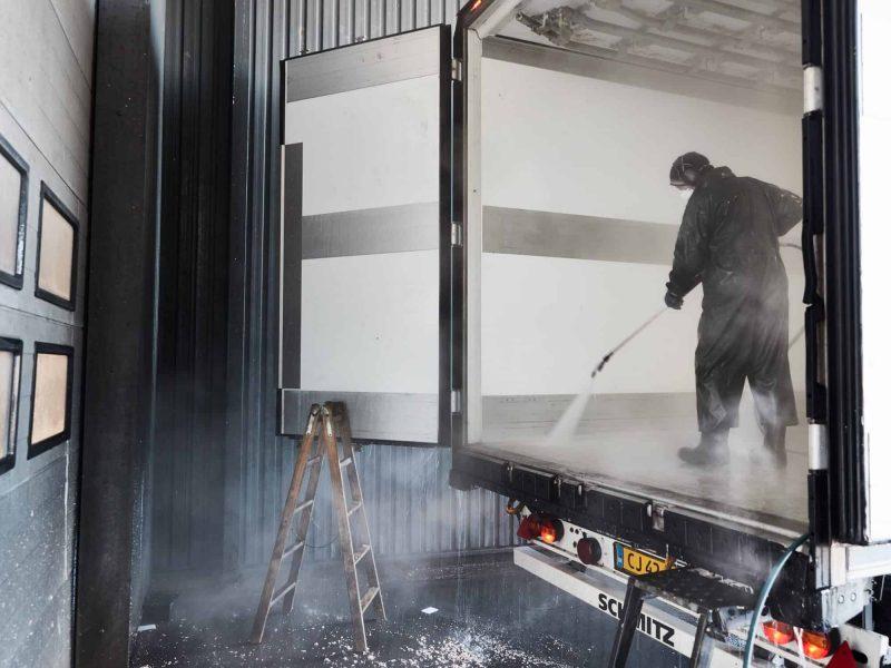 Udvaskning af køletrailer Sydjysk Lastvognsservice